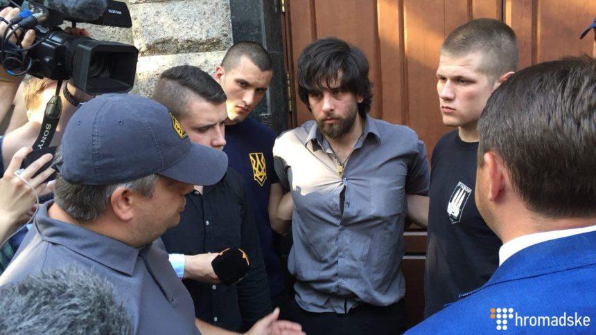 Націоналісти доправили до СБУ бразильця-бойовика, який жив у монастирі УПЦ МП