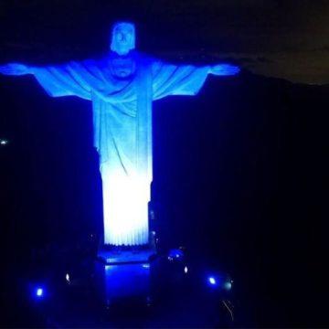У Бразилії підсвітили синім і білим статую Христа Спасителя на честь 70-річчя Ізраїлю