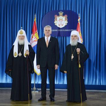 """Сербська Церква посварилася з Румунською і Болгарською та підтримала """"мученицю"""" УПЦ МП"""