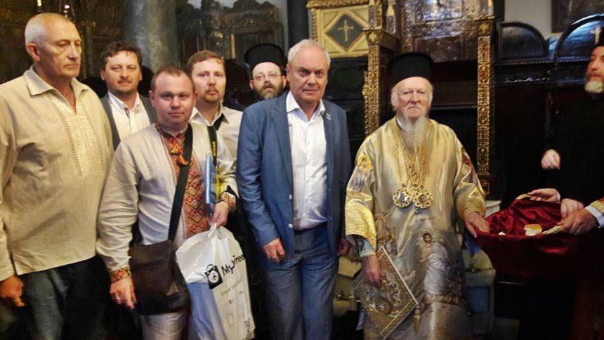 Патріарх Варфоломій особисто зустрів українських вірян, що прагнуть Єдиної Церкви (фото)