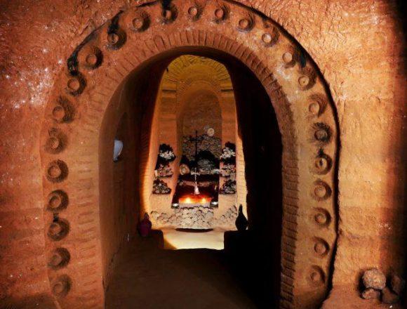 У Вірменії чоловік 23 роки самостійно будував підземний храм (фото)
