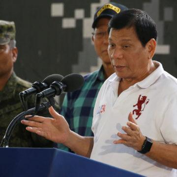 Президент Філіппін вибачився перед Богом (відео)