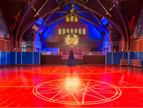"""Nike переобладнав церкву в Чикаго на """"храм баскетболу"""" (фото)"""