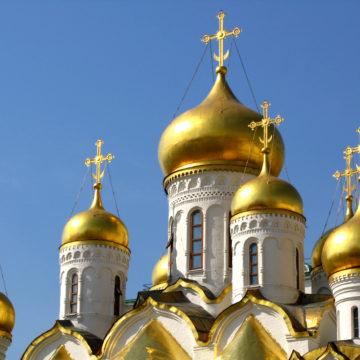У Росії церкву оштрафували на 200 тисяч рублів за прийняття на роботу мігрантки