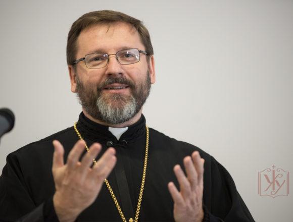 Глава УГКЦ розповів архієпископу Неаполя про війну в Україні
