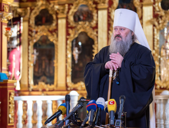 Намісника Печерської Лаври мають відлучити від Церкви за прокльони і магію – експерт